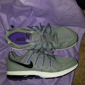 Shoes - Nike max dynasty running shoes